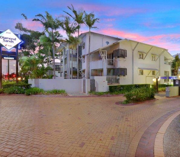 Diamond-Sands-Resort-Exterior